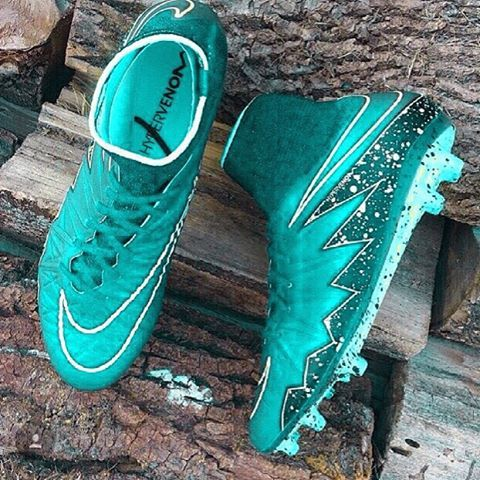 55e29a0d6526 Holy hell | Sports stuff | Soccer shoes, Soccer boots, Football cleats