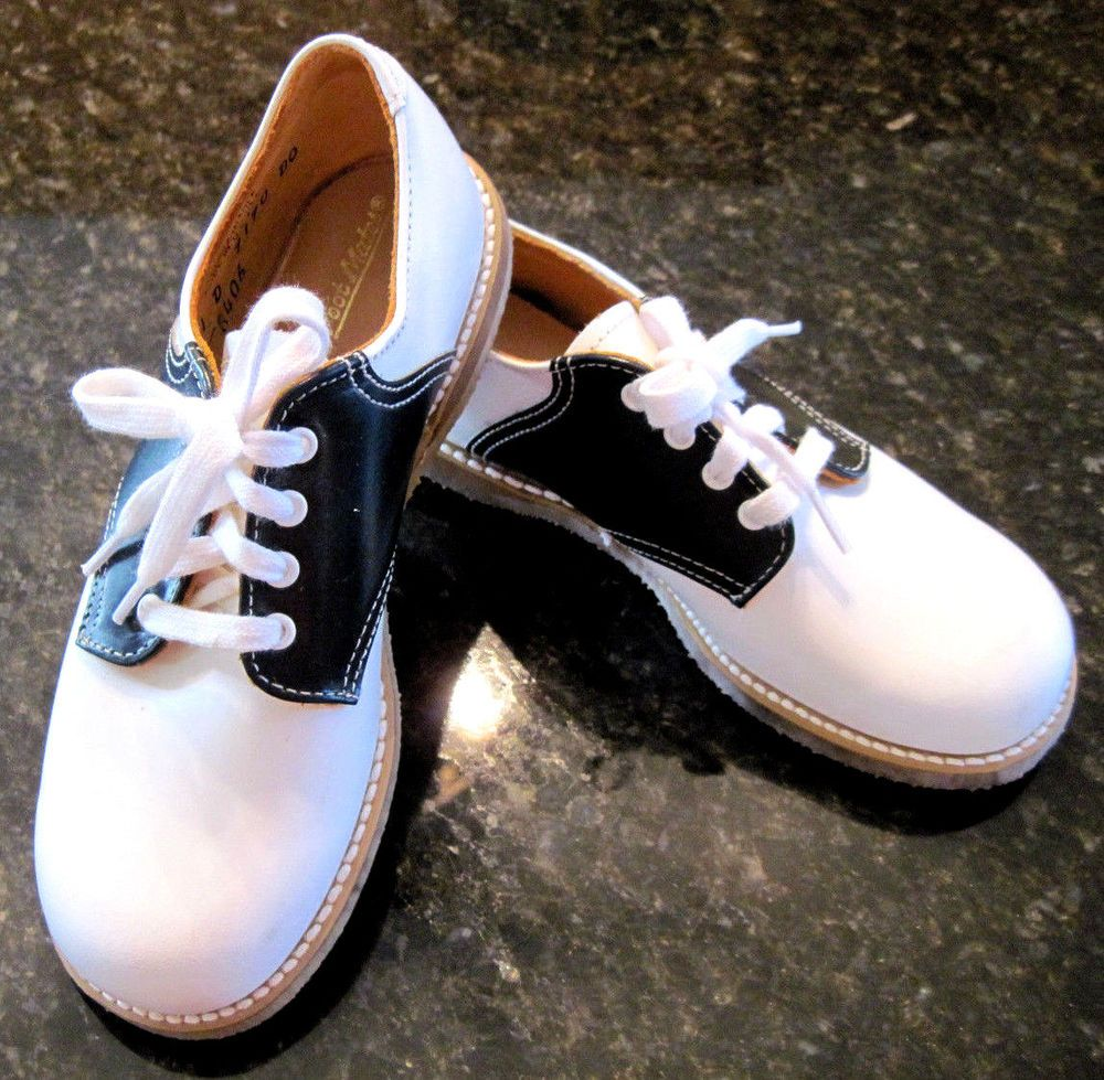 1502c9d842988 True Vintage Childrens Saddle Shoes Size 11D White and Black Leather ...
