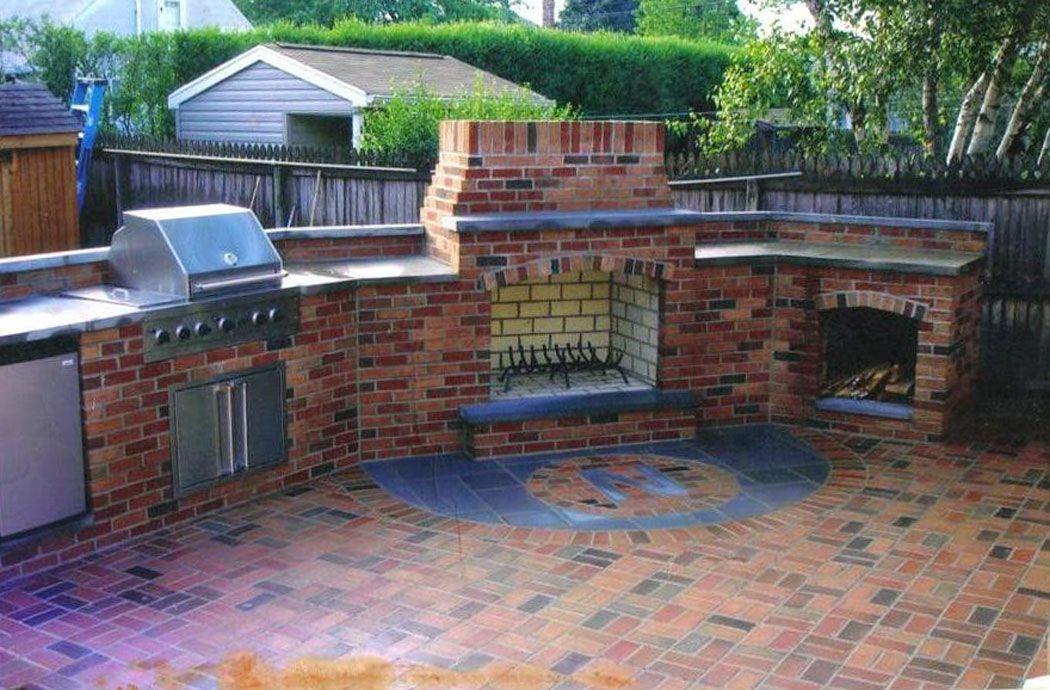 Outdoor kitchen in brick brick patio outdoor kitchen for Kitchen bricks design
