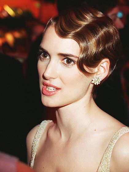 You Need To See These Old School Photos Of Winona Ryder Gatsby Hair Finger Waves Short Hair 1920s Hair Short