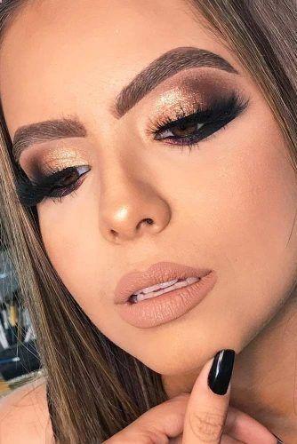 35 Amazing Glitter Christmas Makeup Ideas #goldmakeup