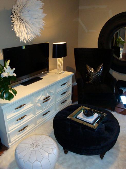 Love the TV Credenza, black & white glam!!