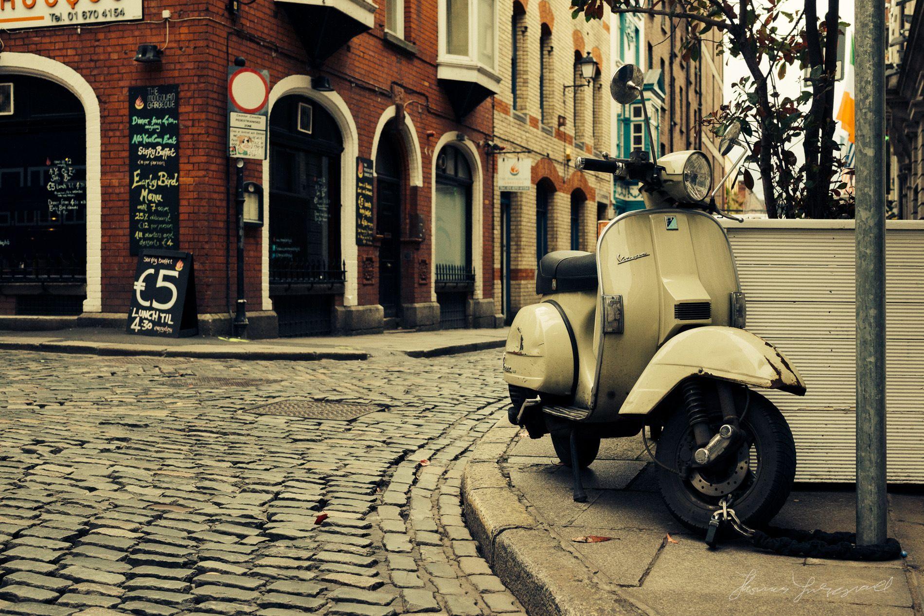 Vespa Wallpapers Wallpaper Vespa Scooters Vespa Piaggio