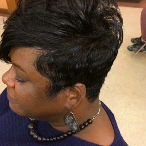 Stylist Sheree Pegues Birmingham Al Stylists Hair Styles Chain Necklace