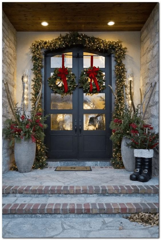 30 Outdoor Christmas Decorations For Yard Page 29 Of 30 Creative Vision Design Front Porch Christmas Decor Christmas Porch Decor Christmas Front Doors