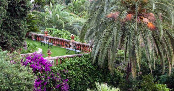 The mixed beauty of Villa della Pergola's Gardens, in