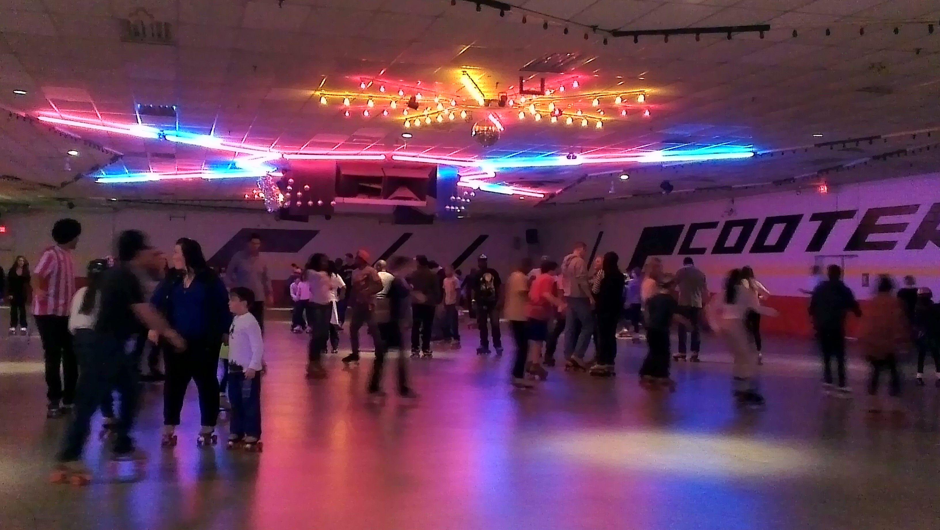 Roller skating rink canberra - Roller Skating Rinks York Region Scooter S Roller Palace Mississauga Ontario