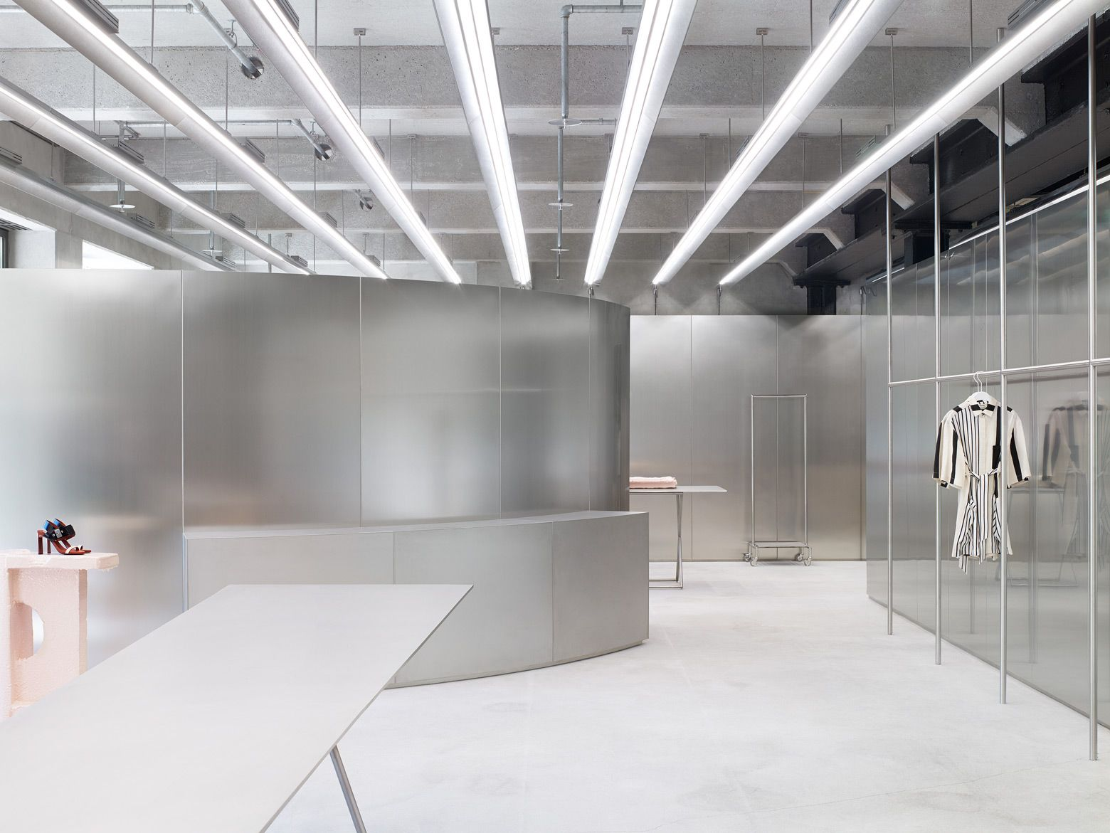 Acne Studios Maximiliansplatz Shop Ready To Wear Accessories Shoes And Denim For Men And Women Verkaufsdesign Produktdesign Studios