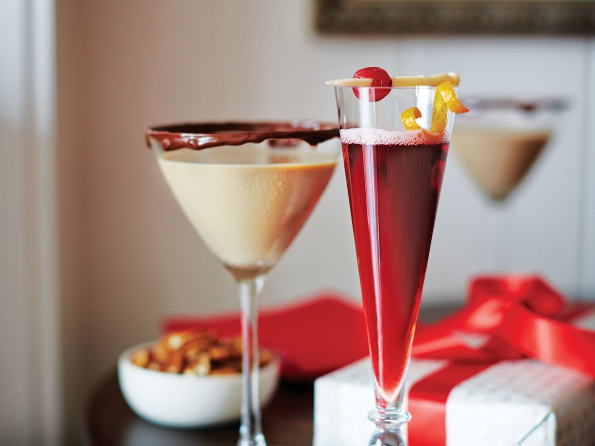 Signature Drink Names For Your Next Christmas Party Holiday Party Drinks Christmas Drinks Alcohol Recipes Creative Christmas Drinks