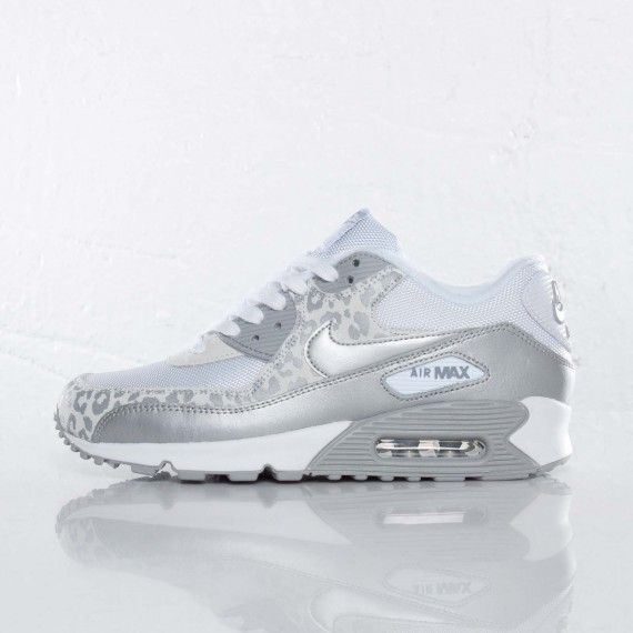 white Nike Air Max 90 women | Posted by Dame Starr Acosta at 9:00