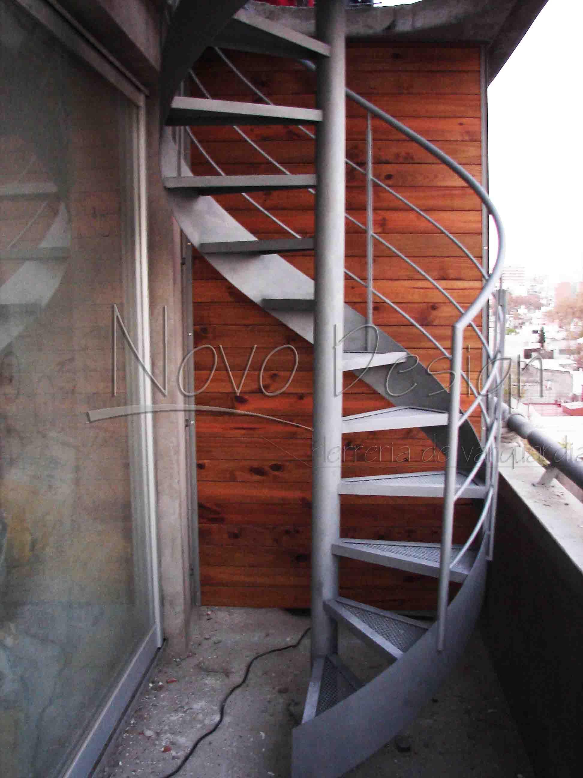 escaleras caracol con cinta helicoidal venta de escaleras y barandas novo design - Escaleras De Caracol