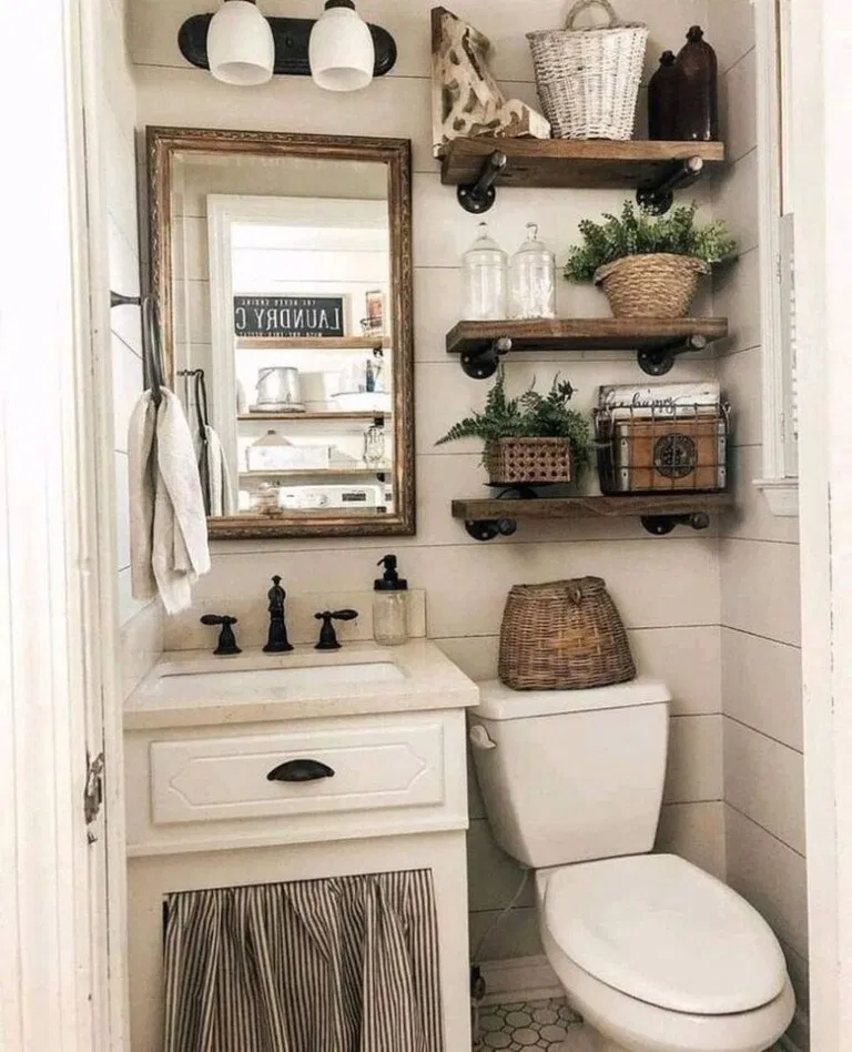 Pin By Victoria Andres On Bad In 2020 Small Farmhouse Bathroom Small Half Bathrooms Small Bathroom Decor