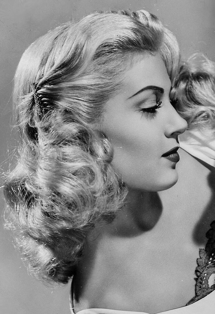 lana turner beautiful profile of her old hollywood pinterest vintage frisuren 40 jahre. Black Bedroom Furniture Sets. Home Design Ideas
