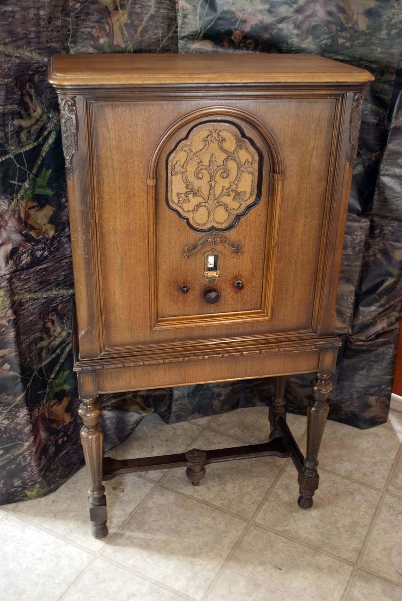 This is my radio cabinet... Sparton Equasonne Radio - Model 610 ...