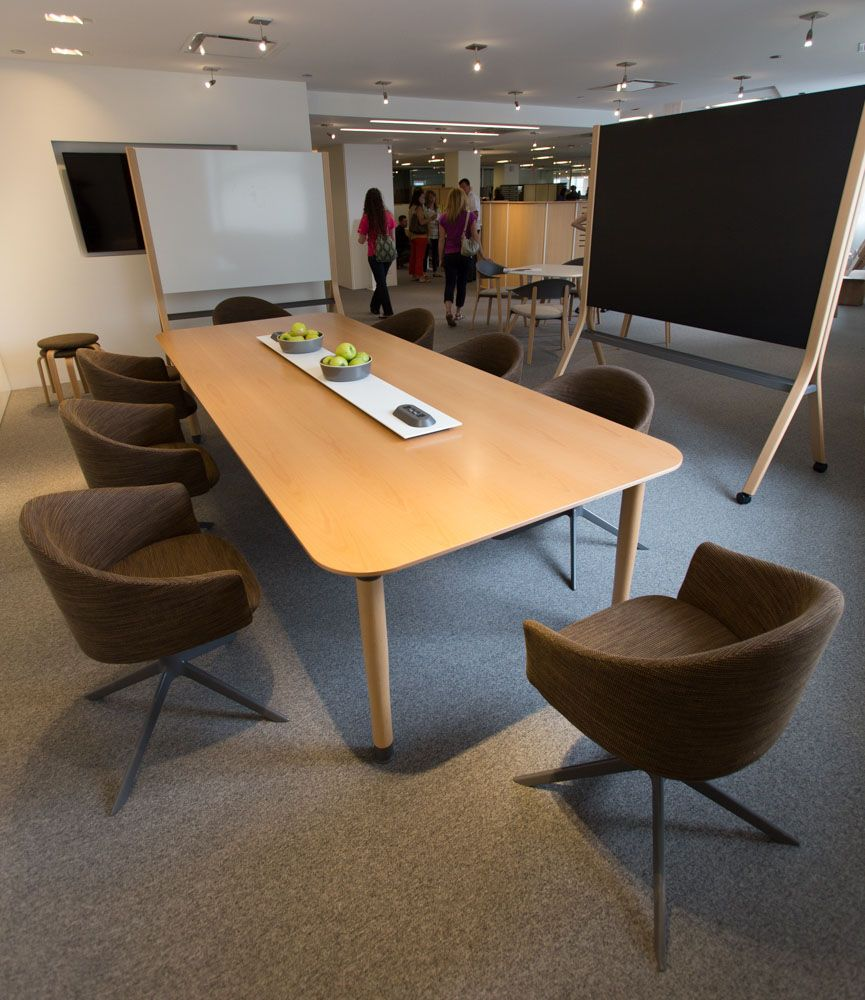 Teknion Zones Work Table Club Chair And Easel