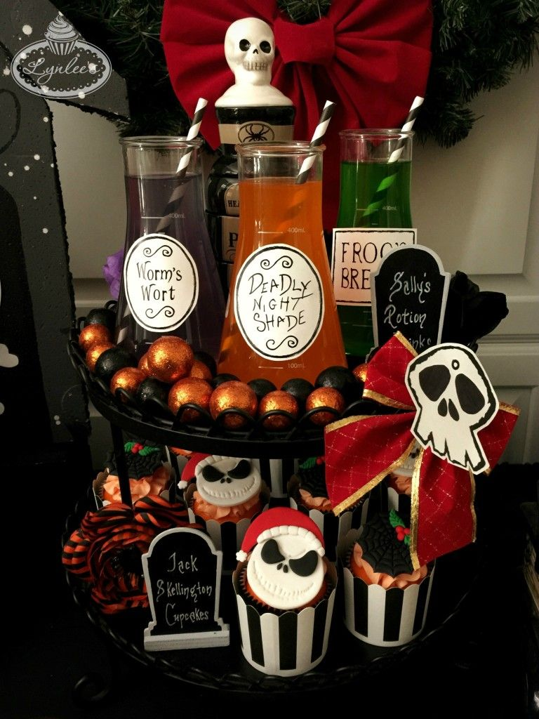 nightmare-before-christmas-stand-lynlees | Party ideas | Pinterest