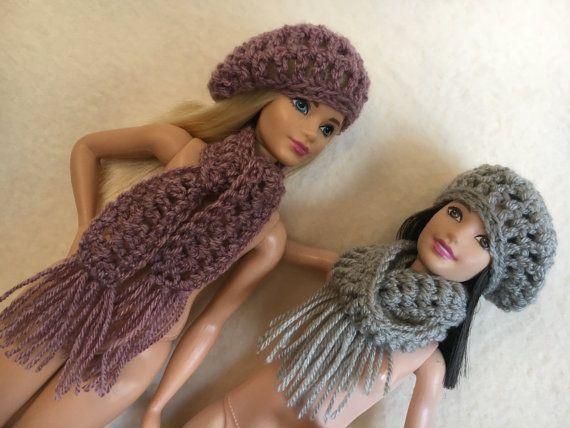 Handgemachte Barbie Kleidung häkeln Slouch Mütze und Schal. 4 Farben ...