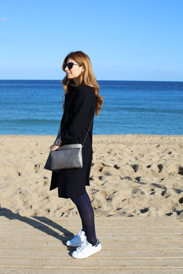 BLUE COAT, GREY OUTFIT AND BLUE SEA