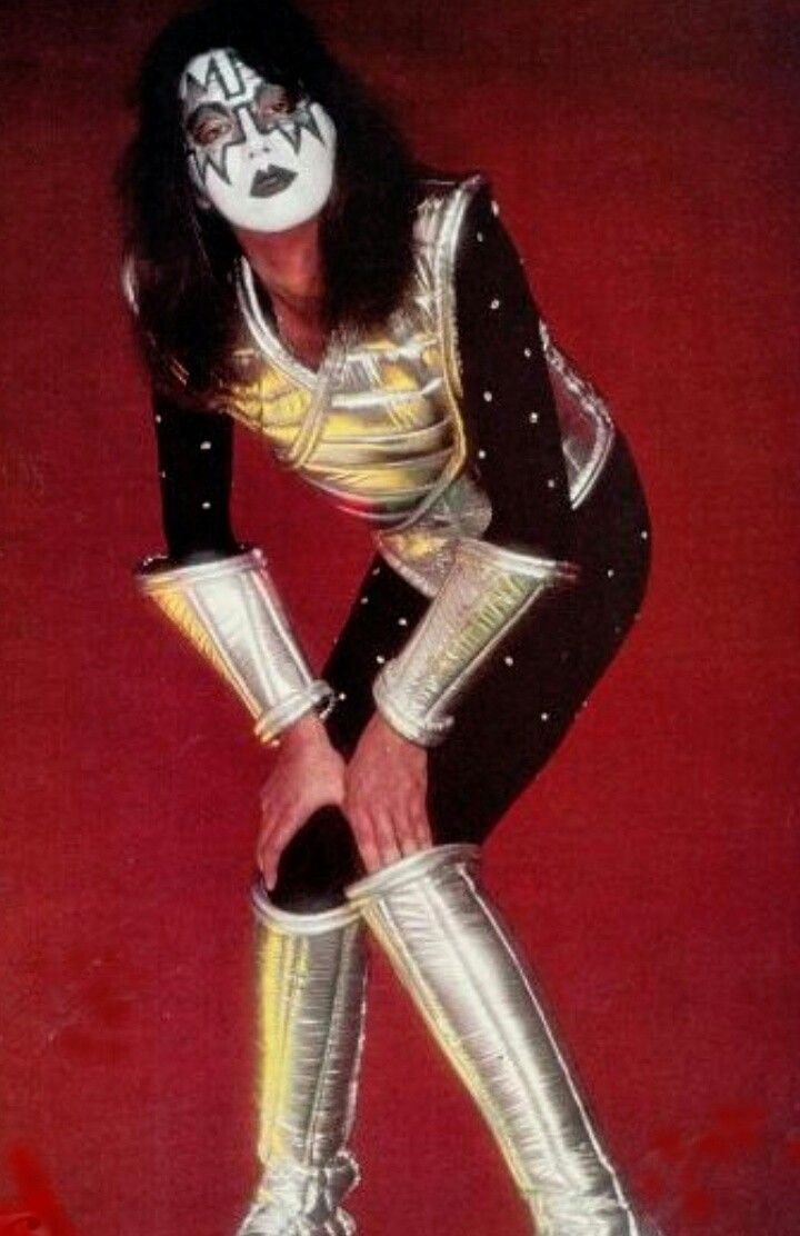 Pin By Mike Rainbolt Bailey On Kiss Ace Frehley Hot Band Kiss Band