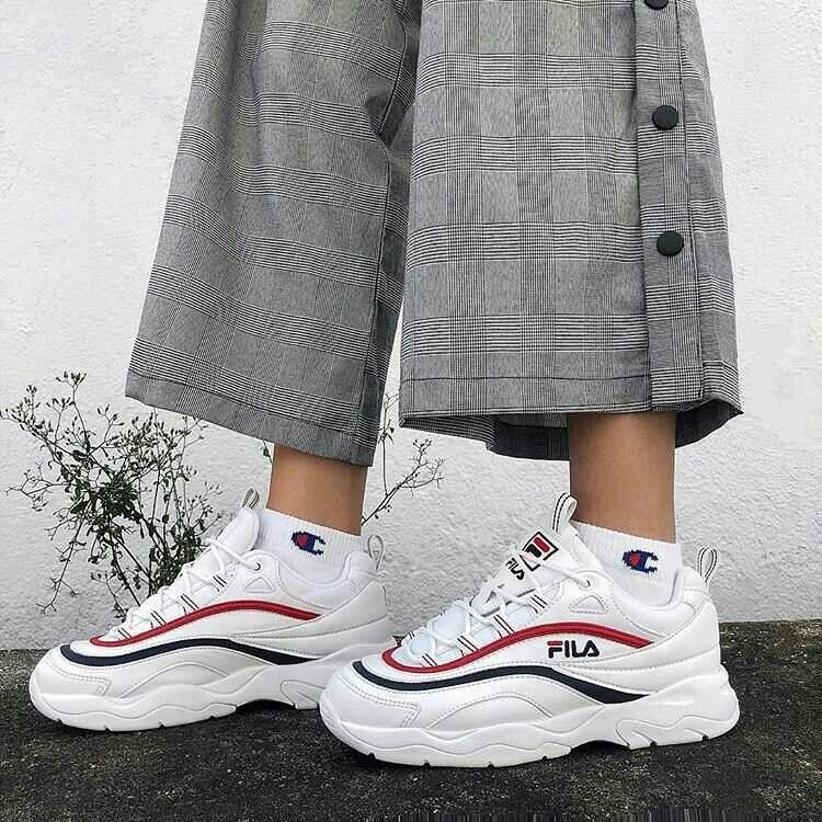 1a9c1cb21f9 Épinglé par Jade Béguin sur Chaussures de marques