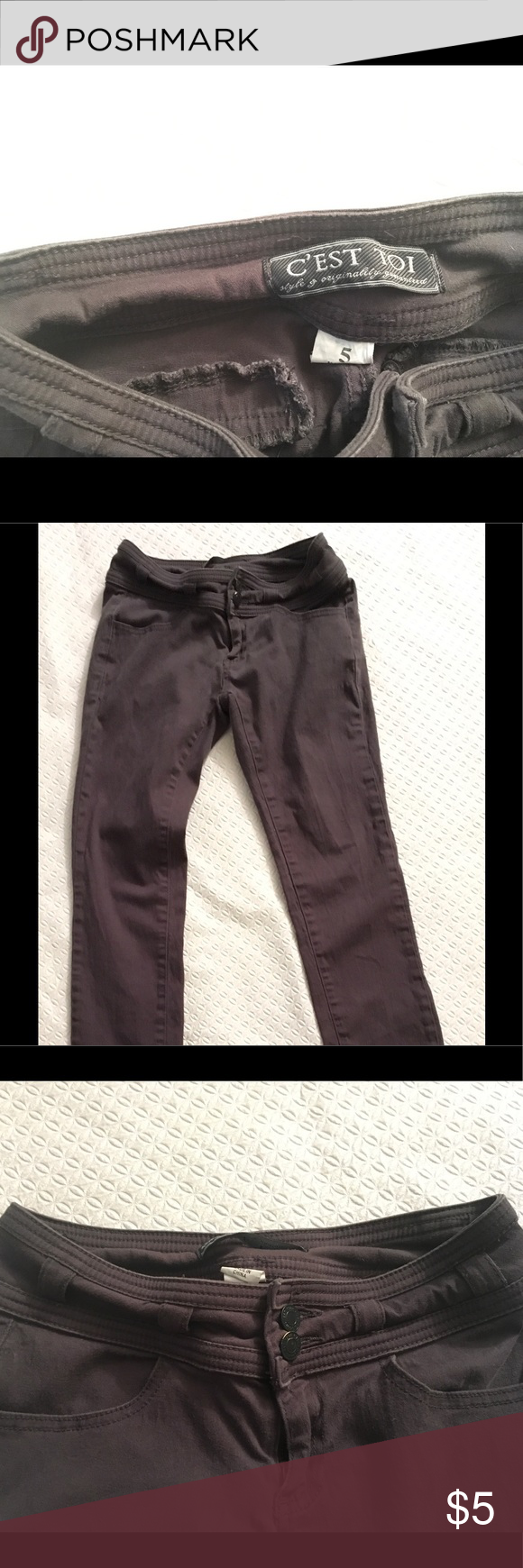 Cest Toi Dar Grey Skinny Jeans Dark Grey size 5 skinny jeans. These are a small size 5 but they do stretch with ease. Cest Toi company. These jeans will amplify any butt in a sexy dress code appropriate way, Cest Toi Jeans Skinny