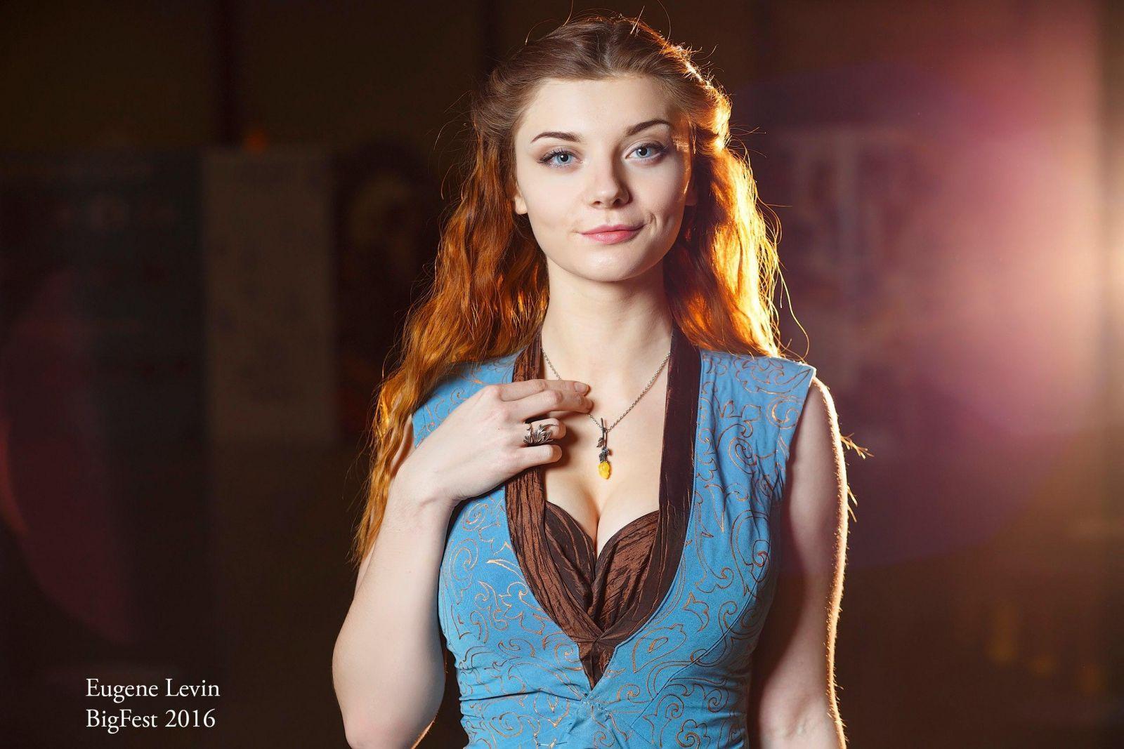 Cosplay  sc 1 st  Pinterest & Margaery Tyrell Is That You? | Margaery tyrell and Cosplay pezcame.com