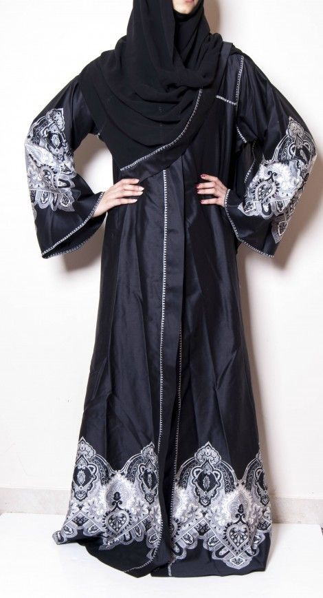 Cotton Abbaya stenciled with black and white. for more info visit: http://jmhsouk.com/product-category/fashion/abbayas/