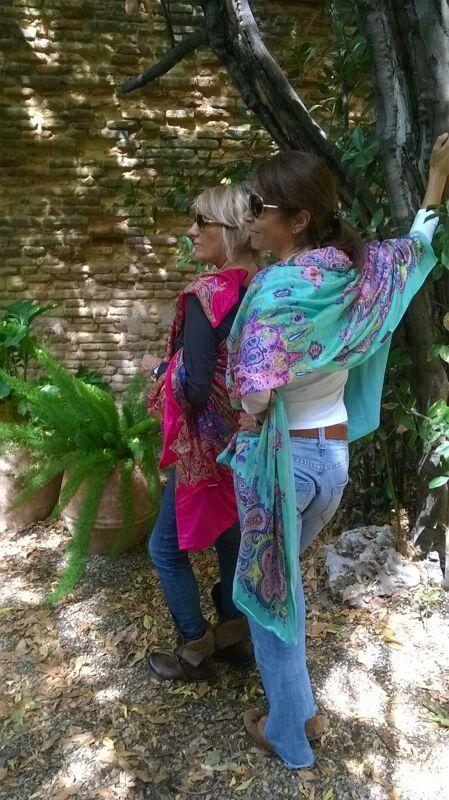 Nuevos fulares de seda reversibles XL JULUNGGUL . Pronto en nuestra web www.julunggul.com Hecho en España. Silk foulards Julunggul