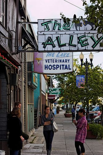 The Alley Bar Oakland Ca Grand Lake Lake District Oakland