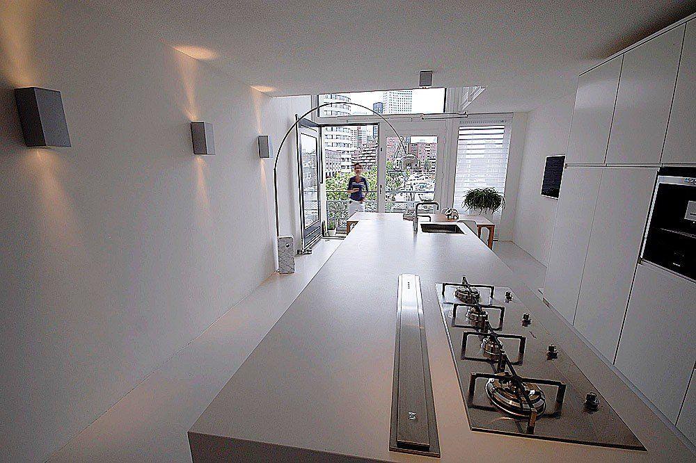 Minimalistisch interieur met design klassiekers | Lámpák | Pinterest ...