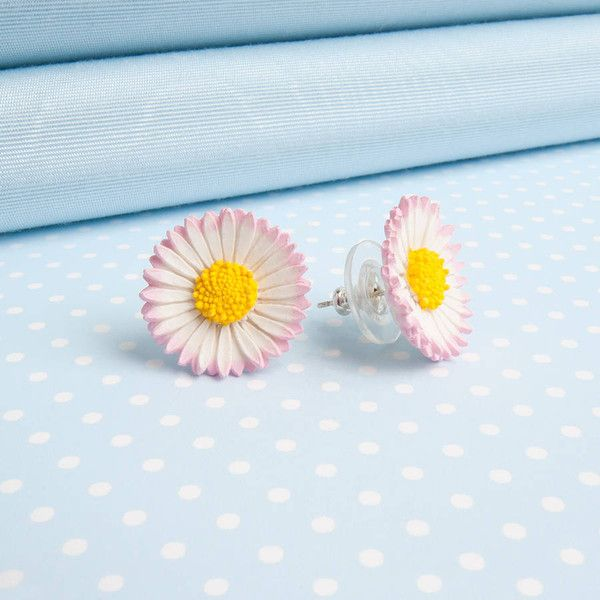 Good Intentions Lawn Daisy Stud Or Clip Earrings ($16) ❤ liked on Polyvore featuring jewelry, earrings, clip on earrings, earring jewelry, clip earrings, studded jewelry and stud earrings