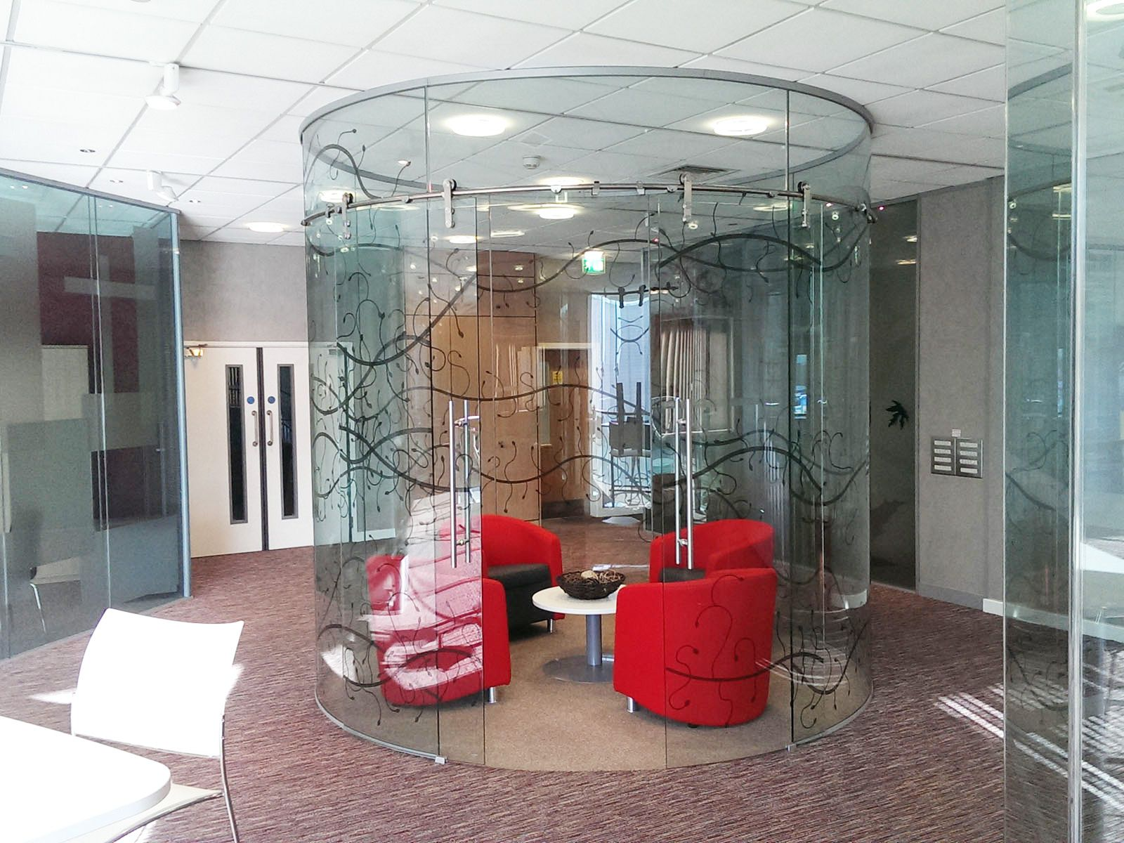 From glass at work curved glass frameless office partitioning curved glass frameless office partitioning planetlyrics Image collections