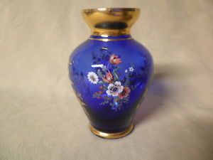 Vintage-Italian-Cobalt-Vase-With-Gold-Colored-Flowers-Made-In-Italy