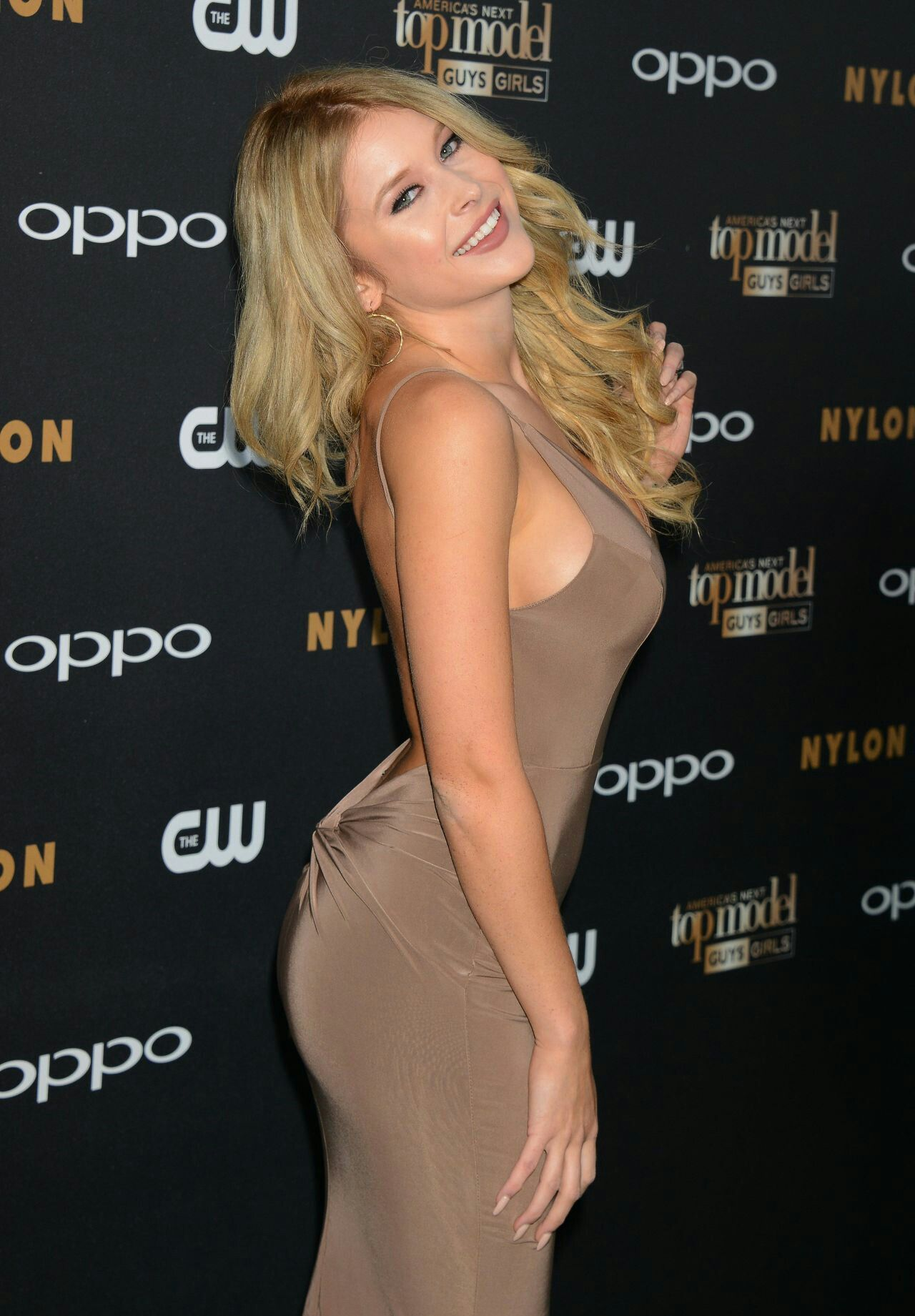 49 Hottest Renee Olstead Bikini Pictures Which Are