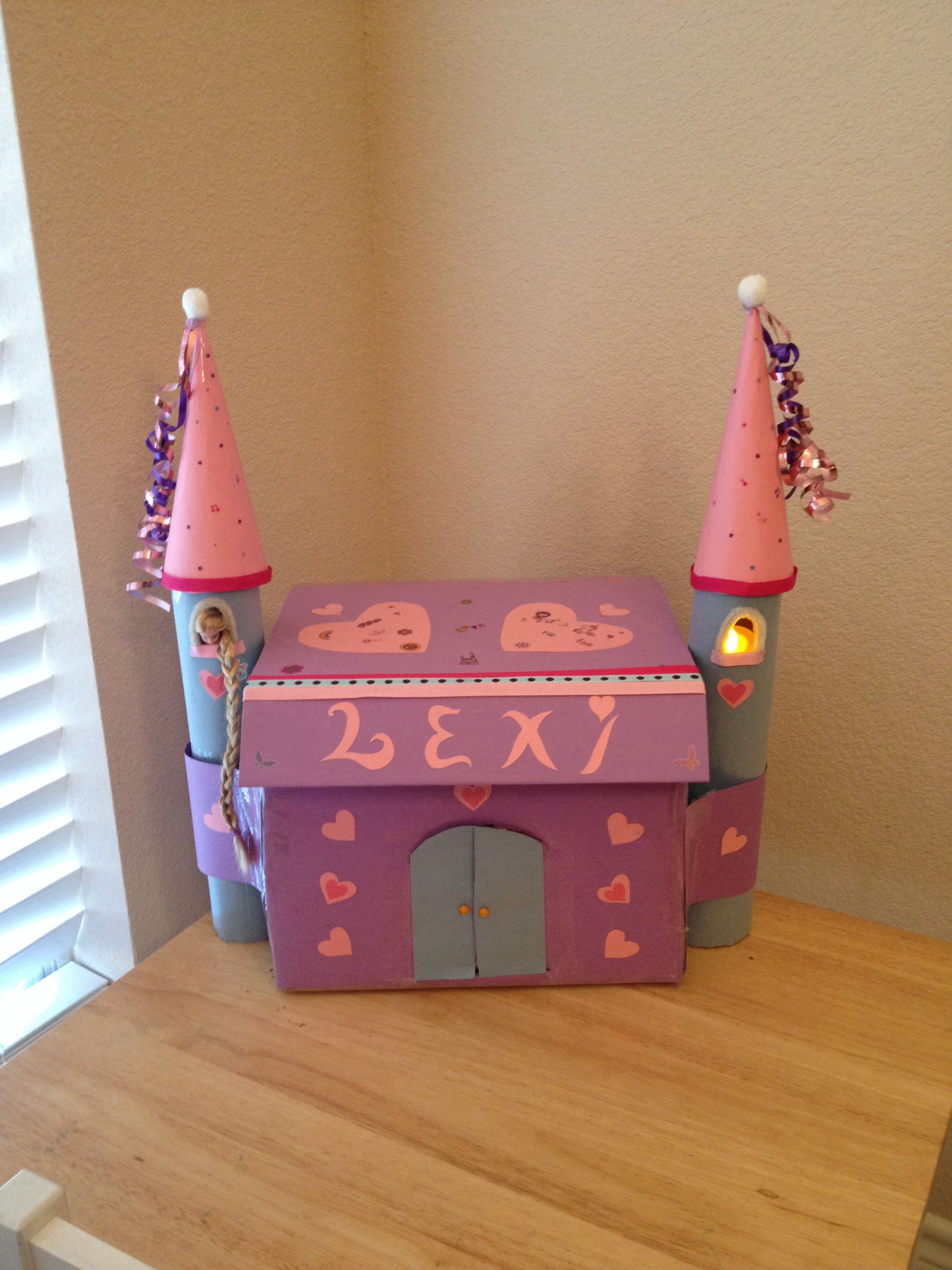 Valentines Day Box Castle Cards Go In Doors Over Sized Top Rapunzel Mini Doll Can Be Taken Out Of Towers For Pretend Play