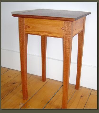 Google Image Result for http://www.clarnerwoodworks.com/images/gallery/endtables/mahogany-lg.jpg
