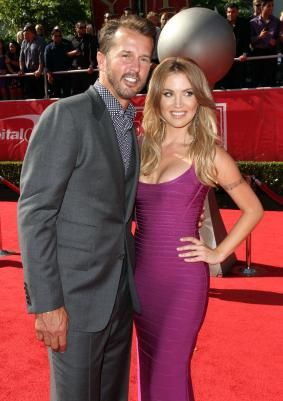 Willa Ford And Mike Modano It S Over Willa Ford Beautiful Actresses Ford