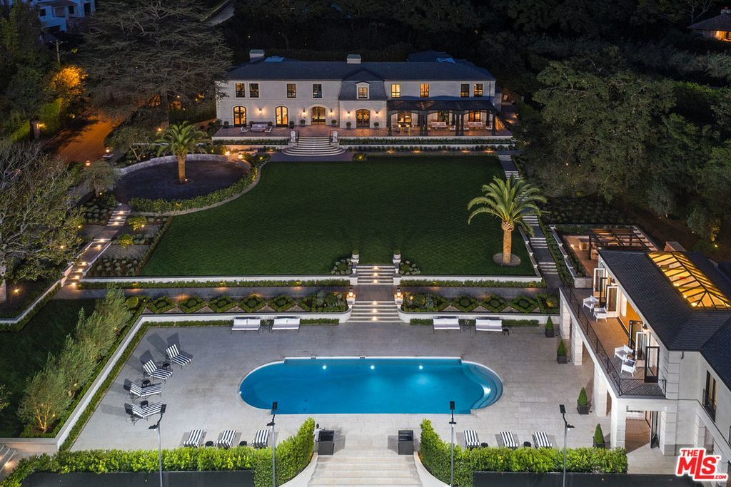 Zillow Has 7 570 Homes For Sale In Los Angeles Ca View Listing Photos Review Sales History And Use Our Detailed Re Beverly Hills Houses Mansions La Mansions