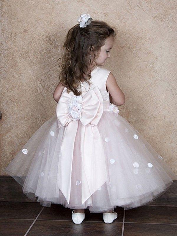 Robe princesse petite fille de corsage de satin et jupe en ...