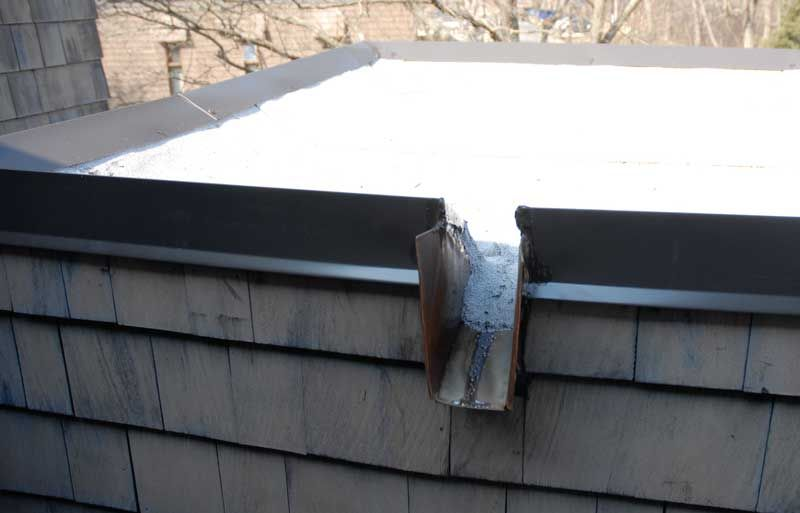 Best Scupper On Edge Of Roof Draining Water Pittsburgh 640 x 480