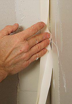 Drywall Finishing An Inside Corner Fine Homebuilding Article Drywall Drywall Corners Drywall Finishing