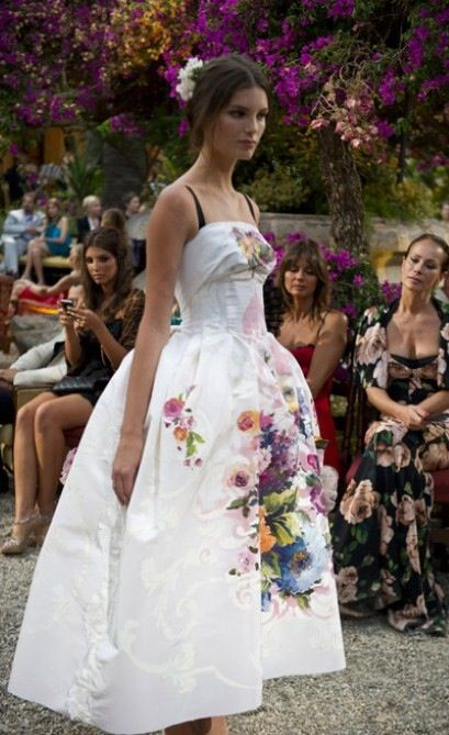 0d0207ef Dolce and gabbana handpainted dress | Tinghun inspirations | Fashion ...
