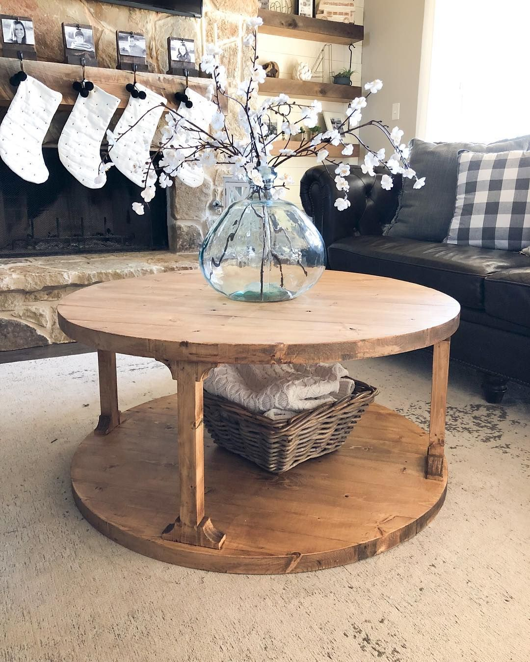 7 2x6 Boards Is All You Need To Build This 39 Round Coffee Table Free Plans And How With Images Round Coffee Table Living Room Coffee Table Farmhouse Coffee Table Plans [ 1350 x 1080 Pixel ]