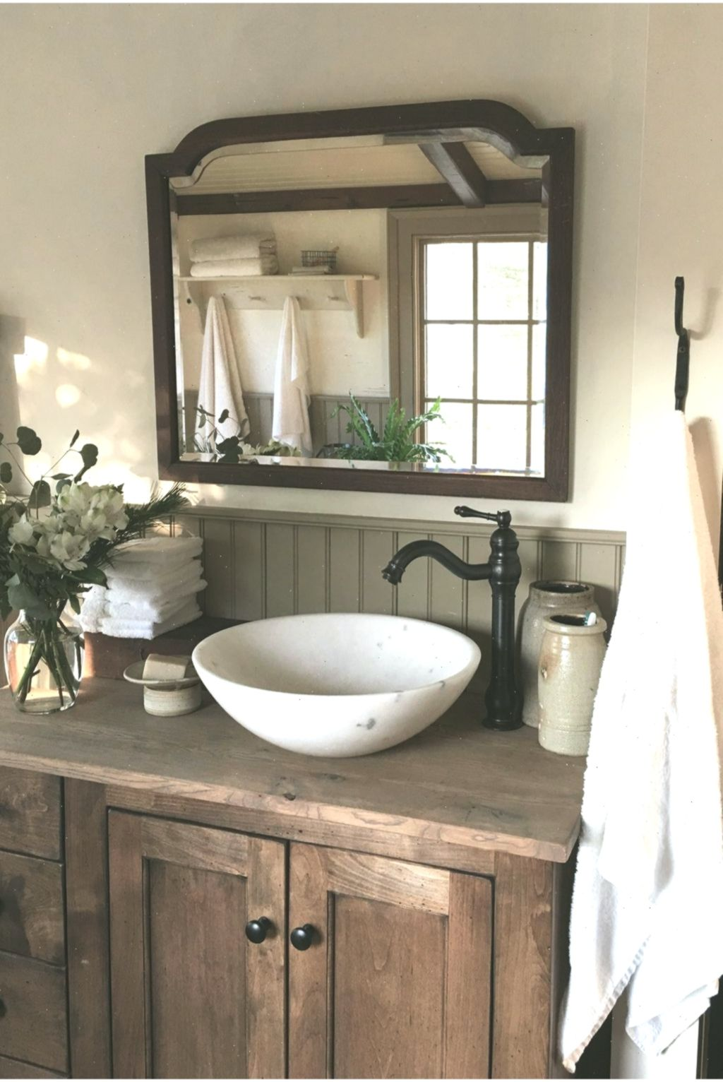 Rustikale Bäder 50 Perfekte Rustikale Bauernhaus Badezimmer Design-ideen #hausdesign #rustichousedesign | Farmhouse Bathroom Decor, Farmhouse Bathroom, Bathroom Design