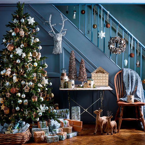 Christmas decorating ideas and inspiration A COUNTRY