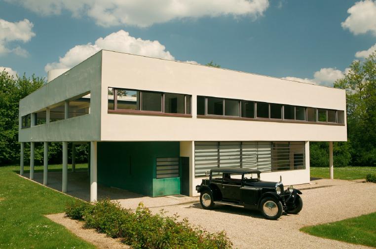 Villa savoye voiture villa savoye le corbusier for Garage renault bois guillaume
