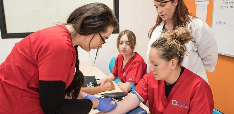 How to a certified medical assistant cma