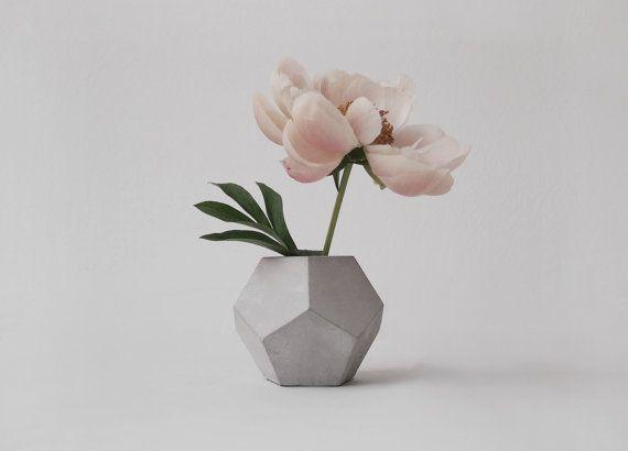 Geometrische minimalistische Betonvase Pflanzenvase von frauklarer