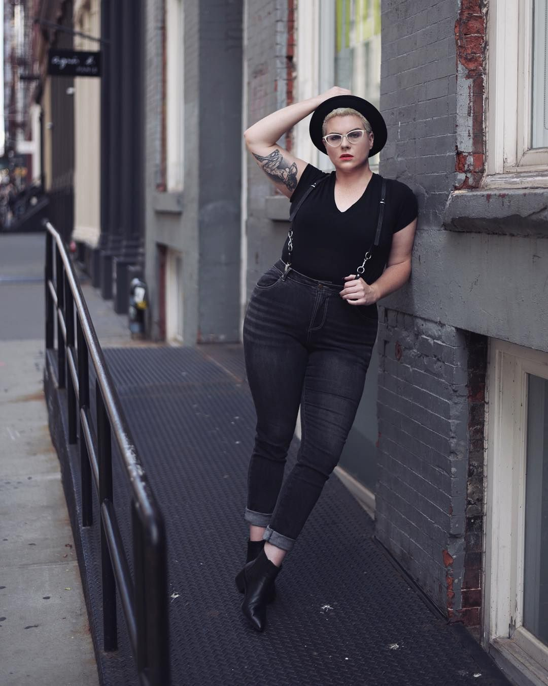 10 Minimal And Androgynous Looks For Plus-Size Bodies in 2019  f9f81b5b17a
