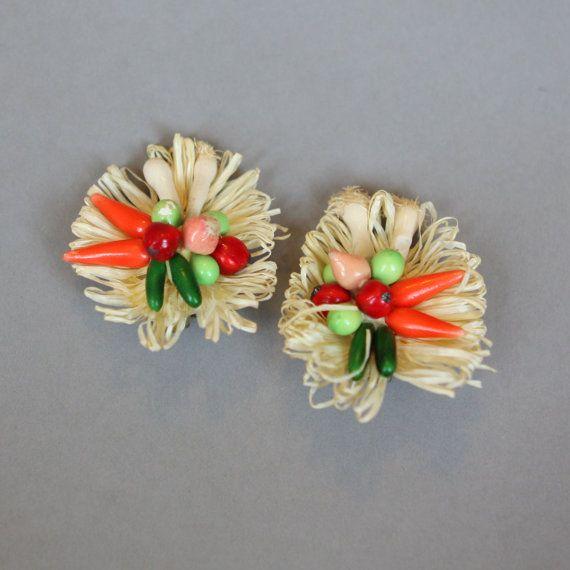 Vintage Vegetable Earrings  #vintage #vintagejewelry #vintagefashion #veggies #vegetables